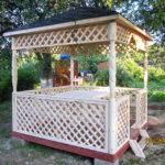 Квадратная садовая беседка 3 на 3 метра Воздушная вместительностью 15 человек.