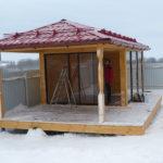 Застекленная закрытая четырехугольная прямоугольная дачная беседка САДОВЫЙ ОАЗИС 4 х 9 метра. Вместительность 20 человек.