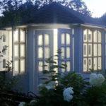 Застекленная закрытая дачная беседка Садовый Кабинет 4,0 метра. Вместимость 16 человек.