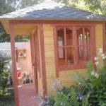 Квадратная застекленная садовая беседка Садовый уют 3х3 метра. Вместимость 15 человек.